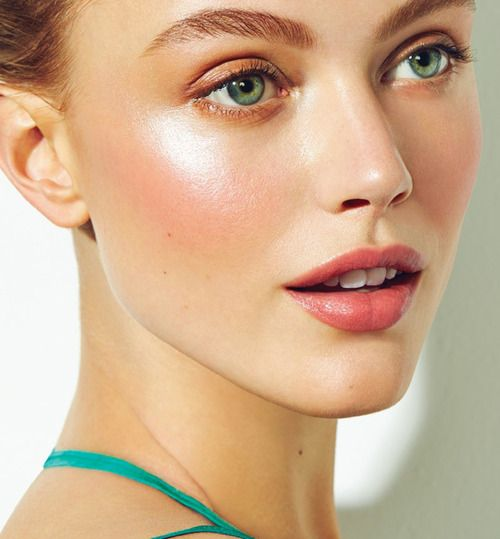 Fresh, dewy, glowing cheeks are perfect for getting that beautiful summer glow. Use a peach cream blush with a shimmery luminizer on top of your cheekbones to get the look.