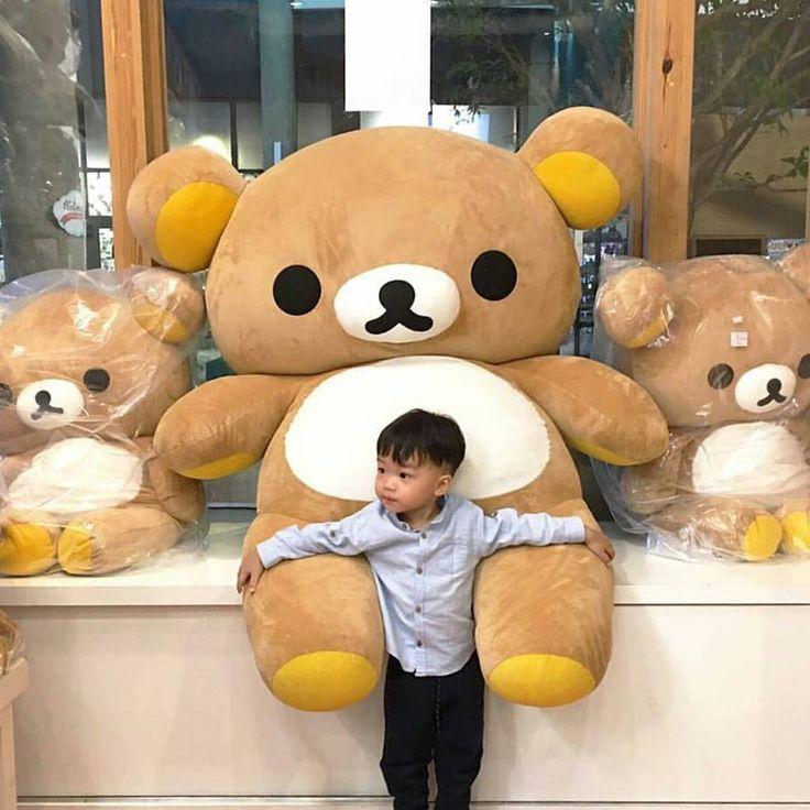 Who wants a jumbo Rilakkuma? 📷: @rilakkumaclubthailand  #rilakkuma #kiiroitori #korilakkuma #rilakkumafamily #rilakkuma_na #sanx #japan #cute #fun #instadaily #instagood