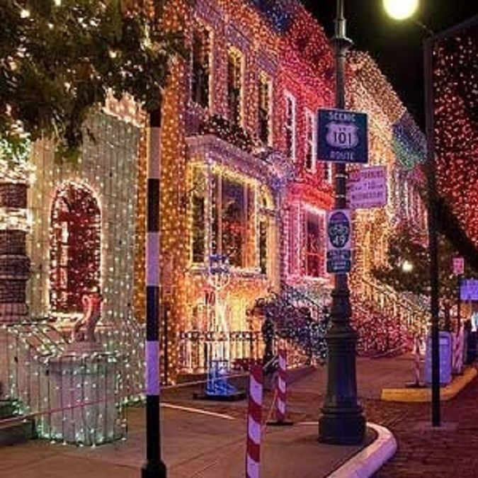 25+ Best Ideas About Christmas Lights Wallpaper On