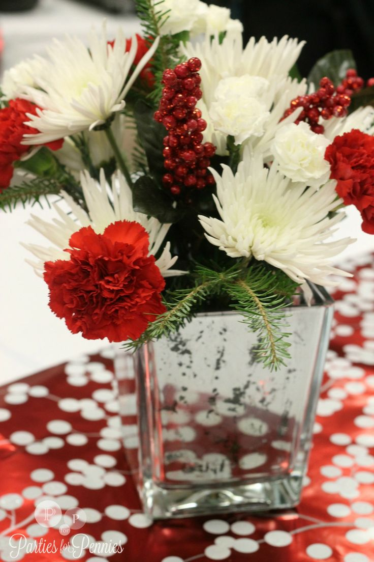 Elegant christmas table decorations - Decoration Red White Christmas Table Decorations With Alluring Red Glittery Holly Flowers Also White And