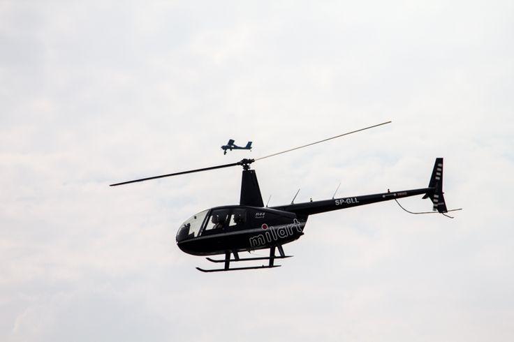 helikopter nad lotniskiem Szymanów