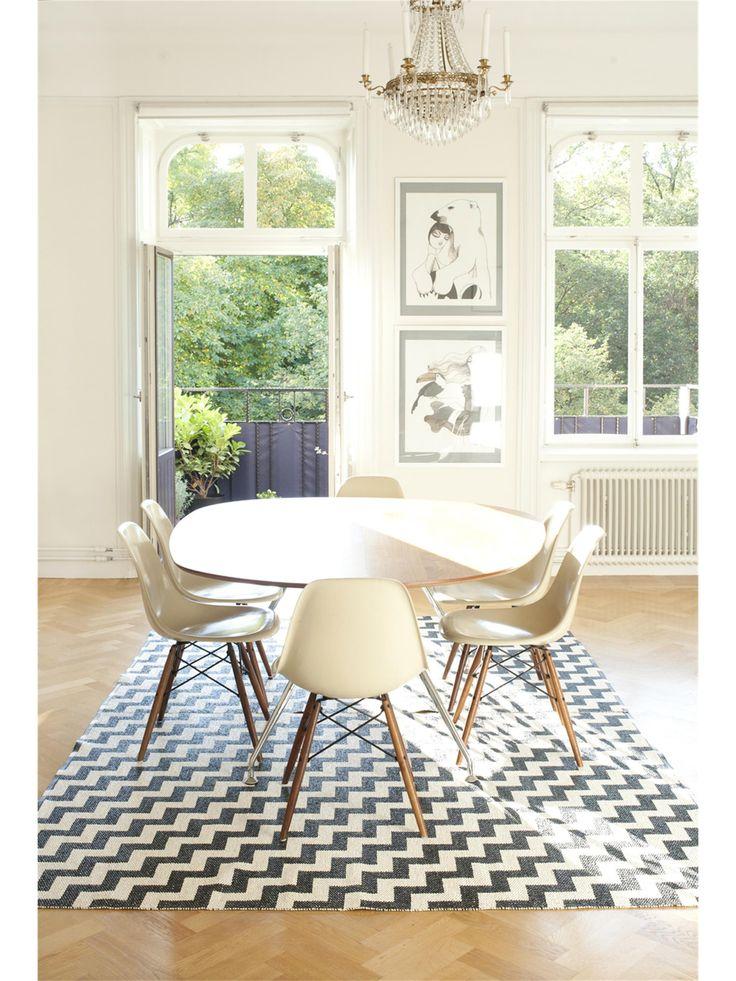 Chevron-Muster für die Küche: Brita Sweden Teppiche sind aus besonders pflegeleichten Kunstfasern hergestellt und eigenen sich somit hervorragend als Küchenteppiche
