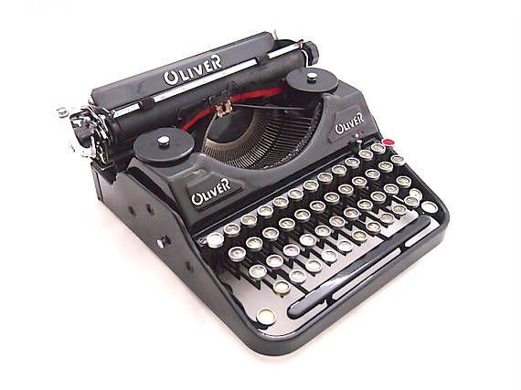 Oliver Portable typewriter 1930s typewriter old typewriter