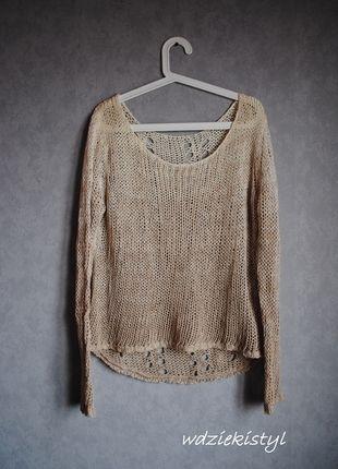 Kup mój przedmiot na #vintedpl http://www.vinted.pl/damska-odziez/swetry-z-dekoltem/12069474-kremowy-sweterek-z-dziurkami-stradivarius