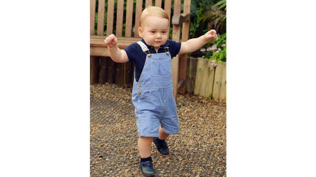 El príncipe Jorge cumple un año y este es su primer retrato oficial