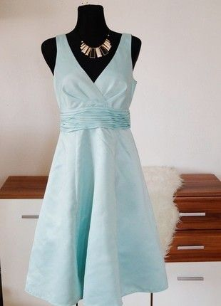 Dámské šaty pro družičku