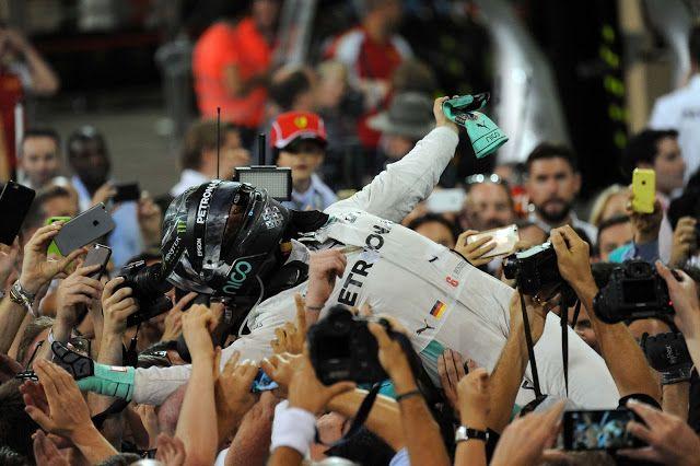 Immagine in Cornice: F1 WORLD CHAMPION 2016 NICO ROSBERG