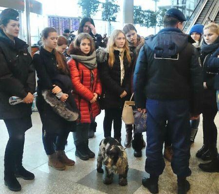 "Студентам из колледжа ""Московия"" показали аэропорт Домодедово - Сайт города Домодедово"