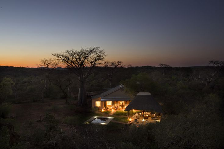 Baobab Hill Bush House is the old ranger's accommodation for a total of eight guests at any one time. It is situated on a small hill just north of the Luvuvhu River, with excellent views of the surrounding area.