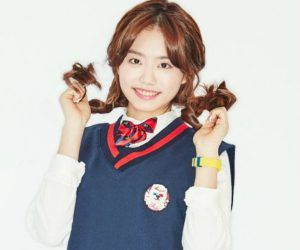 """I.O.I's Sohye """"Dream Girl"""" promotional picture."""
