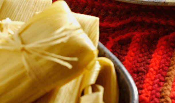 Te compartimos la receta para preparar Tamales canarios, cocina con inspiración con Recetas Nestlé.