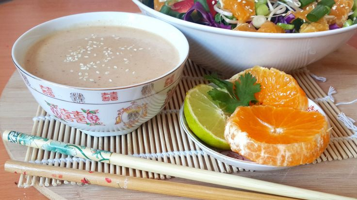 Vegan pad thai, Gluten free, raw vegan pad thai, simply healthy meals, vegan made easy, easy vegan recipes, vegan citrus salad, tahini dressing, low fat raw vegan recipes, 801010 recipes, 801010 pad thai, fullyrawkristina pad thai recipe, rawvana pad thai recipe, 801010 salad, Raw vegan not gross
