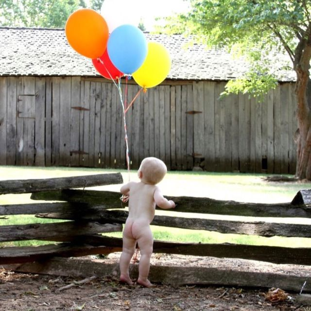 First Birthday Picture in birthday suit. So gotta do this with our little man!