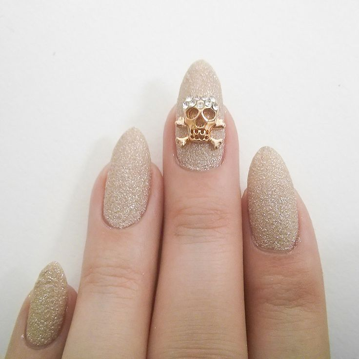 Gold Skull and Crossbones Nail Charms By  dailycharme