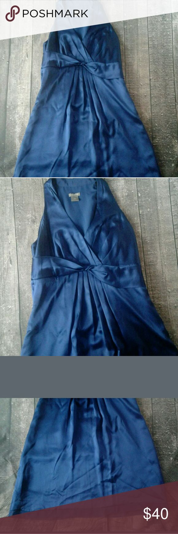 Ann Taylor Blue Cocktail Dress Size 4 Ann Taylor Blue Cocktail Dress Size 4 Used 1 time for a wedding it's in GREAT CONDITION Ann Taylor Dresses Wedding