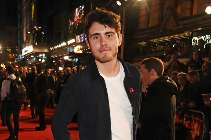 Who is Alfie Deyes? PointlessBlog YouTube star and Zoella's boyfriend with his own book series  LISTED as one of Debrett's 500 Most Influential People in Britain, Alfie Deyes is another YouTube star taking the world by storm.