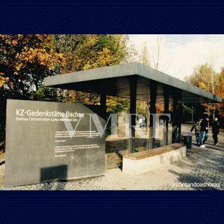 """26 de mayo 1942 Historia Mariavita II VMRF Martirio del Arzobispo Kowalski DACHAU -Campo de Concentración Nazi """"Los Mariavitas sufren mucho durante la Segunda Guerra Mundial. El Arzobispo Kowalski es arrestado y deportado y llevado al campo de concentración de Dachau, allí a causa de malos tratos y torturas muere el 26 de mayo de 1942, los Mariavitas ven en esta fecha una coincidencia celeste: es la víspera de la del nacimiento de Mateczka."""