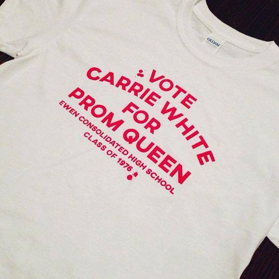 Vote Carrie White for Prom Queen 1976 T-Shirt Stephen King Telekinesis Horror Movie Maine Red Blood Drips Funny Scary Halloween Pigs