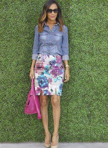 ピシッと大人っぽくキメたい時には、大きめ花柄のタイトスカートに、デニムシャツをインして縦ラインを美しく魅せて。同系色の小物使いで更におしゃれ感アップ!