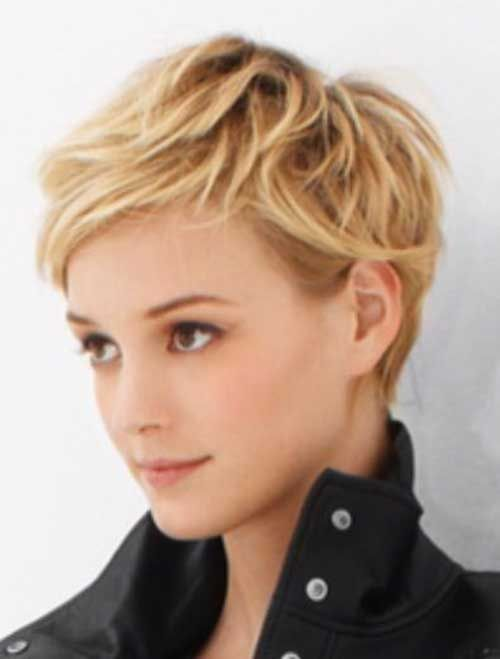 Pixie Hairstyles layered pixie haircut with bangs Find This Pin And More On Pixie Haircut By Lindavanstrien