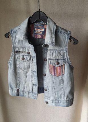 Kaufe meinen Artikel bei #Kleiderkreisel http://www.kleiderkreisel.de/damenmode/westen/114608272-stylische-hippie-weste-aus-jeans