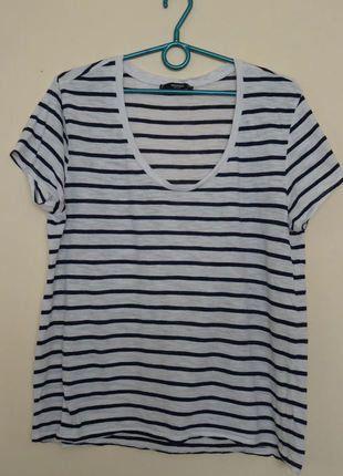 Kup mój przedmiot na #vintedpl http://www.vinted.pl/damska-odziez/koszulki-z-krotkim-rekawem-t-shirty/17838175-klasyczna-marynarska-koszulka-w-paski-mango-oversize