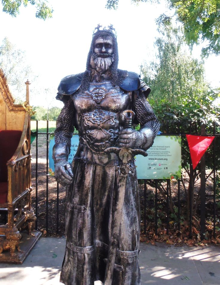 Dave - Bespoke Human Statue Characters   Surrey  South East  UK - King Arthur Human Statue