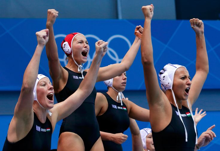 Hungary's players react during their women's preliminary round Group A water polo match against China, Aug. 1, 2012. (Laszlo Balogh/Reuters)