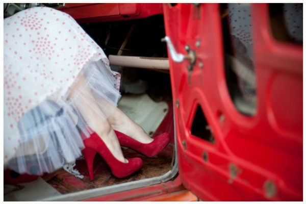 red shoes: Red Doors, Wedding Shoes, Vintage Cars, Red Shoes, Vintage Wedding Dresses, Ruby Red Slippers, New Fashion, Bridal Shoes, Red Wedding