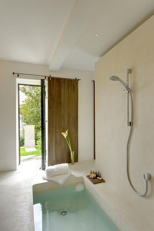 Best 25 sunken bathtub ideas on pinterest sunken tub for Sunken tub ideas