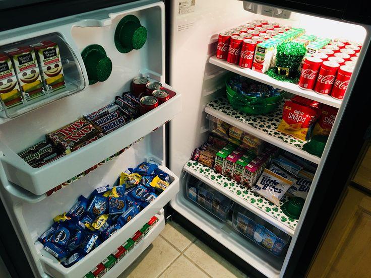 холодильник с конфетами картинки одном