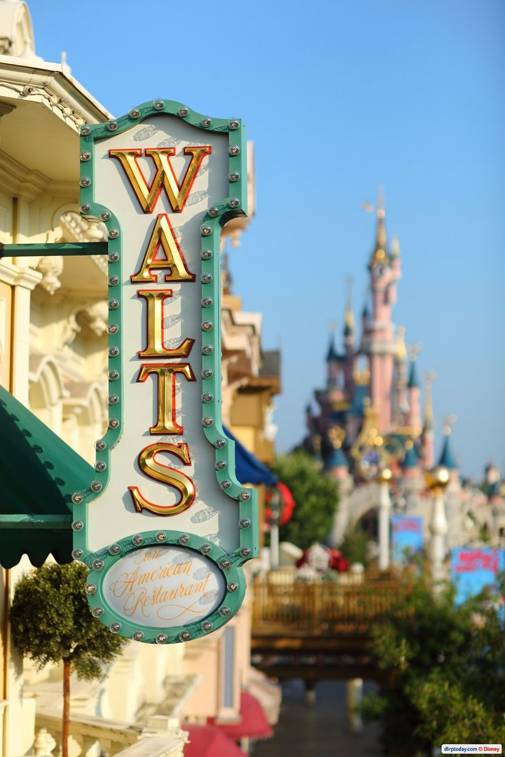 The Walt's restaurant sign at DLP - been in here for a character breakfast, would love to go again!