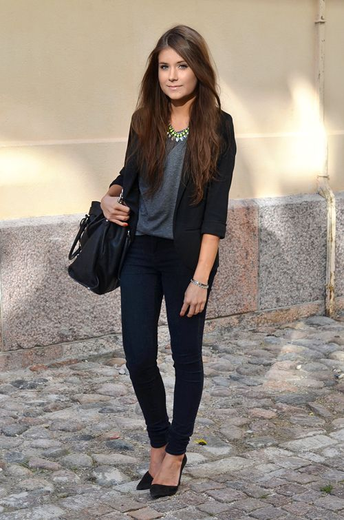 This is such a great look for everyday. Keep it simple with jeans, blazer and a T-shirt but use accessories to give it the wow factor... a statement necklace will be your best friend next season! xx