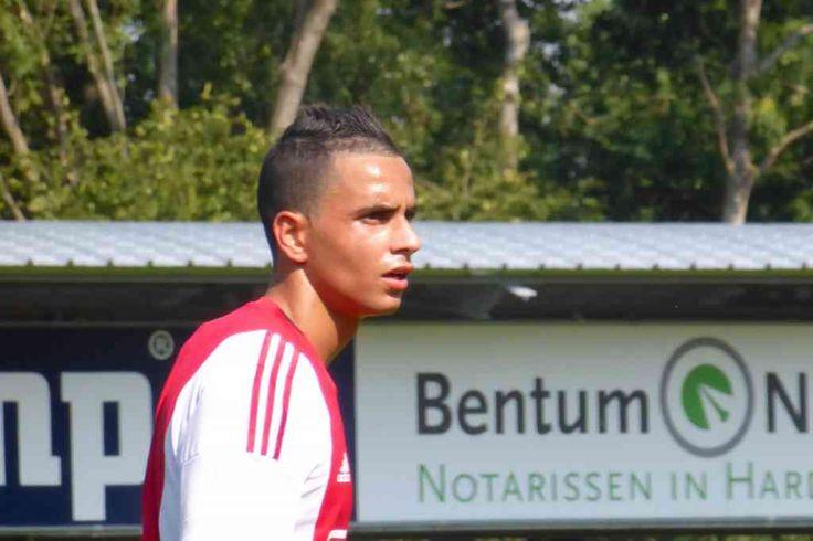 Jong Ajax heeft woensdagavond met 5-0 gewonnen van JVC Cuijk. Zakaria El Azzouzi was met drie doelpunten de man van de wedstrijd. Voor Jong Ajax was dit de vierde oefenwedstrijd in de voorbereiding op het nieuwe seizoen. Van die eerdere oefenwedstrijden werden er twee gewonnen (5-0 tegen Hollandia en 9-0 tegen SDC Putten) en één gelijkgespeeld (1-1 tegen De Treffers).