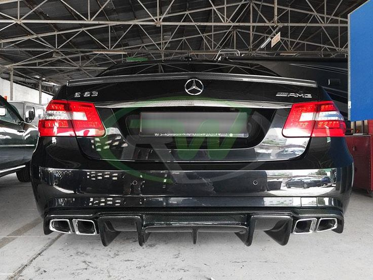 Mercedes W212 #E63AMG fitted with #carbonfiber trunk spoiler and our #renntech style diffuser.