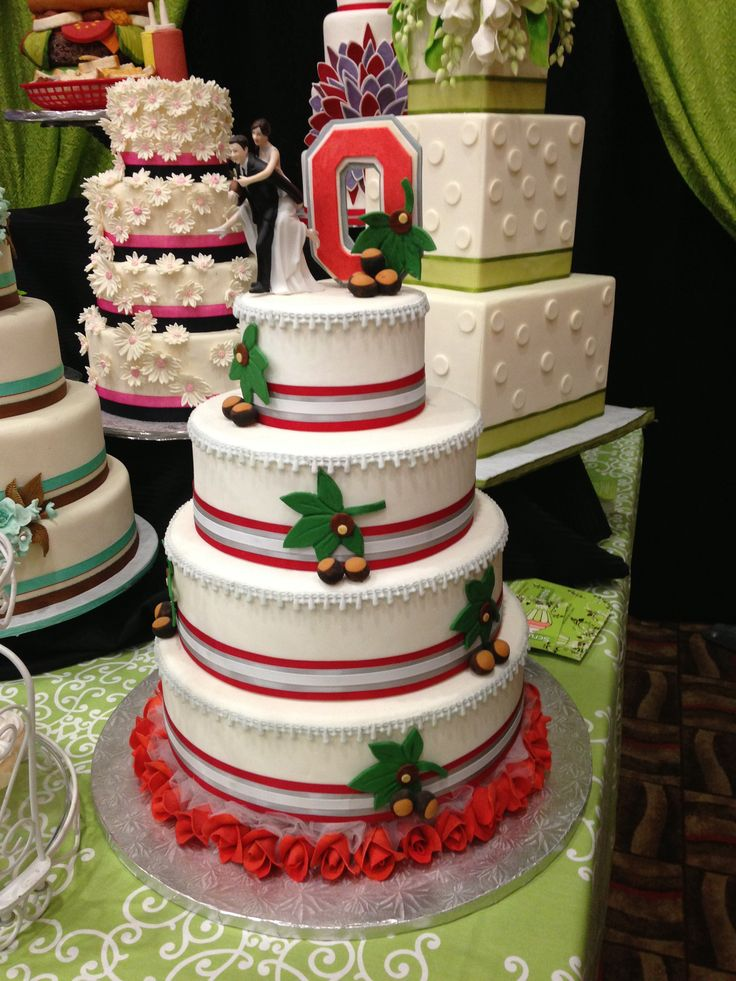Please someone .... get married and order this... I so want to do this ... Buckeyes AND cake?  Heaven!