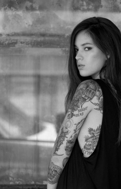 Mod Girls: 26 supergatas tatuadas