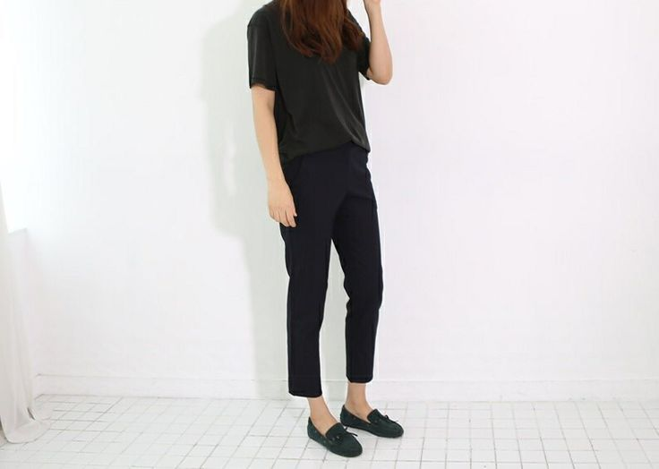 reversed silky T / slacks / moccasin