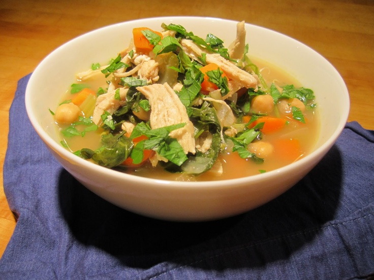 Lemony Chicken Soup with Greens and Chick Peas - tastes like it's been cooking for hours.Green Recipe, Foodies Soup, Chicken Soups, Lemon Chicken Soup, Lemon Bowls, Lemony Chicken, Food Recipe, Yummy Dinner, Chickensoup