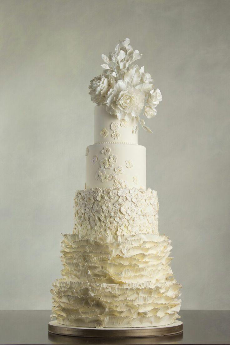 Ruffles and lace flowers |  Sara Paris Torte Creative