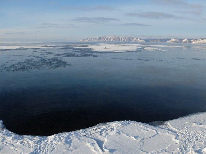 Le lac Baïkal est un des endroits les plus magiques du monde... ©Salaün Holidays