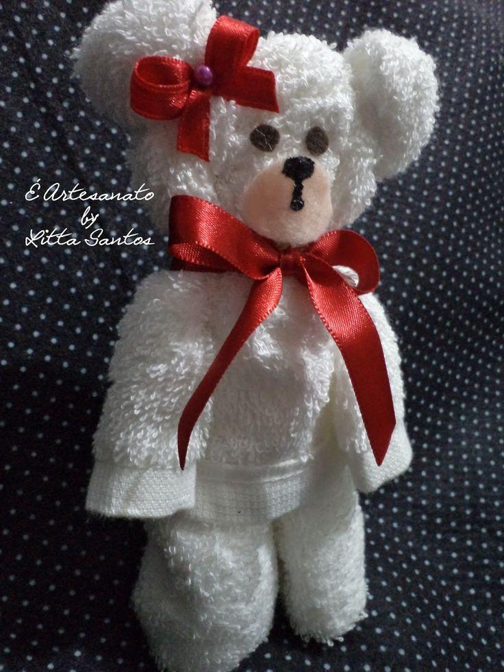 É Artesanato by Litta Santos: Passo a passo: Como fazer um ursinho de toalha e brincadeira valendo prêmio