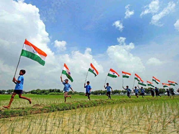 15 August Best Status in Hindi:Har saal Bharat me 15 August ko Independece Day (Swatantrata Divas) Manaya jata hai. Bharat ke kogo ke liye ye din bahut hi important hota hai. vars ki gulami ke baa…