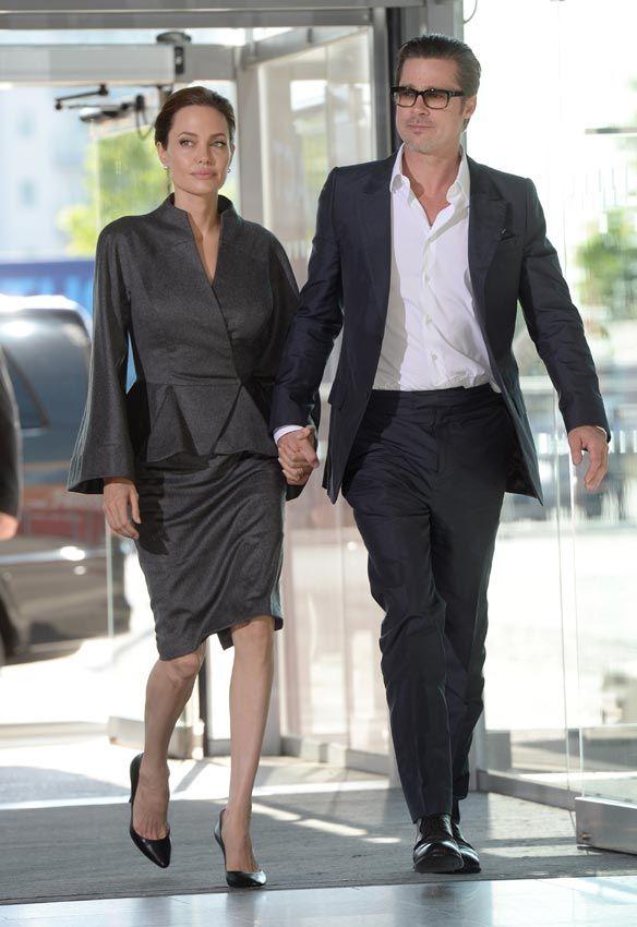 Angelina Jolie, Brad Pitt y sus hijos viajan en clase turista ante el asombro del resto de pasajeros - Foto 1