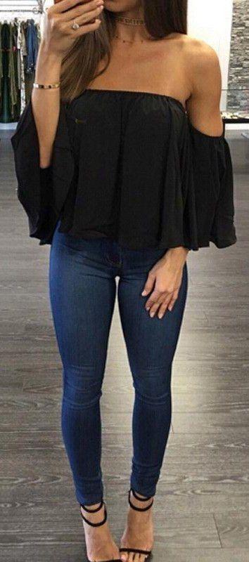 #fall #outfits Negro fuera de la parte superior del hombro + Jeans Skinny Navy