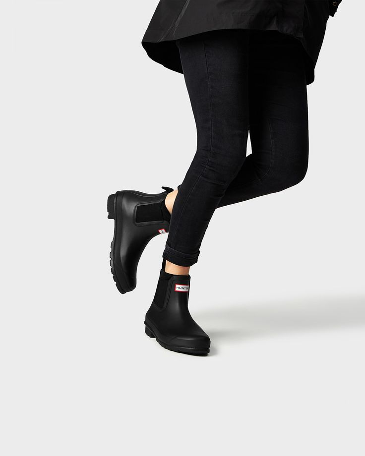 The handcrafted Original Chelsea boot in a matte finish.