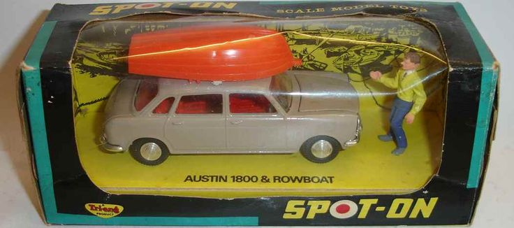 Spot On - Saloons and Sportscars Austin 1800 & rowboat