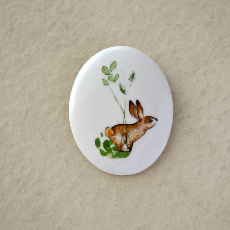"Brosa ""Petit lapin"" (24 LEI la JasminBlanc.breslo.ro)"