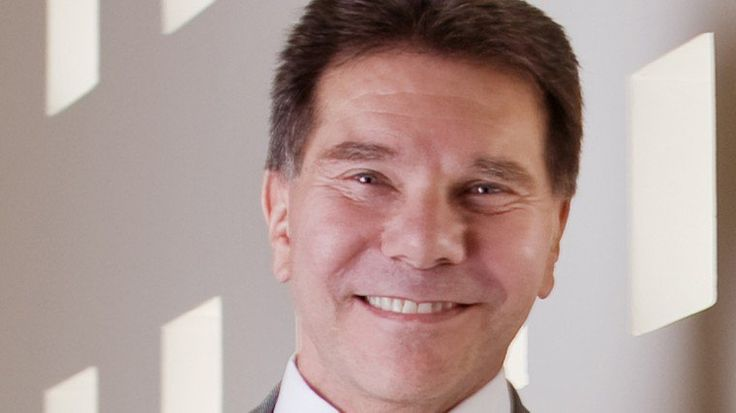 How to Use Cialdini's 6 Principles of Persuasion to Boost Conversions
