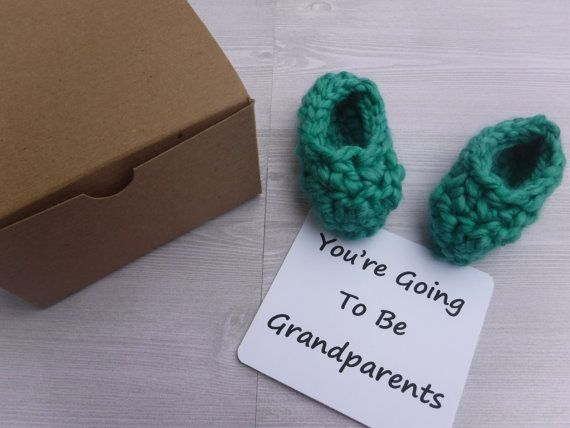 A cute way to announce your pregnancy / baby news to grandparents, husband, friends. Gender reveal. Booties in a box knit baby announcement